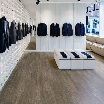 Spencer Hart, London, W1K 5DX, United Kingdom. Architect: Shed-design, 2011. Store display.